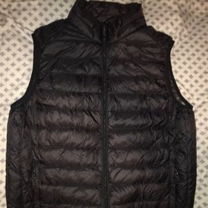 Saks Fifth Avenue Padded Vest Sz XL $250 black